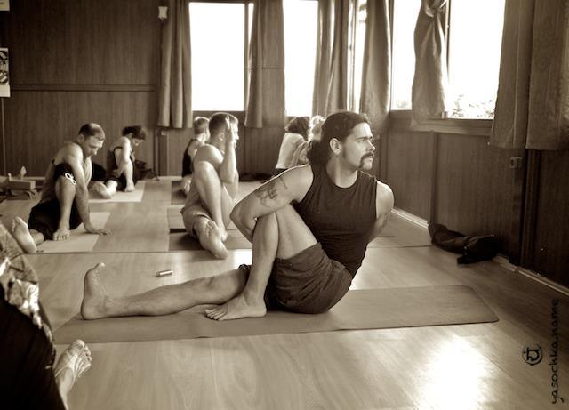 Yoga-Rainbow class